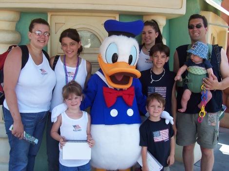 100_5709_disney-family_2004