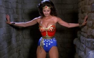 wonder-woman-lynda-carter-splash