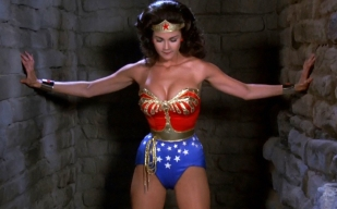 wonder-woman-lynda-carter-splash